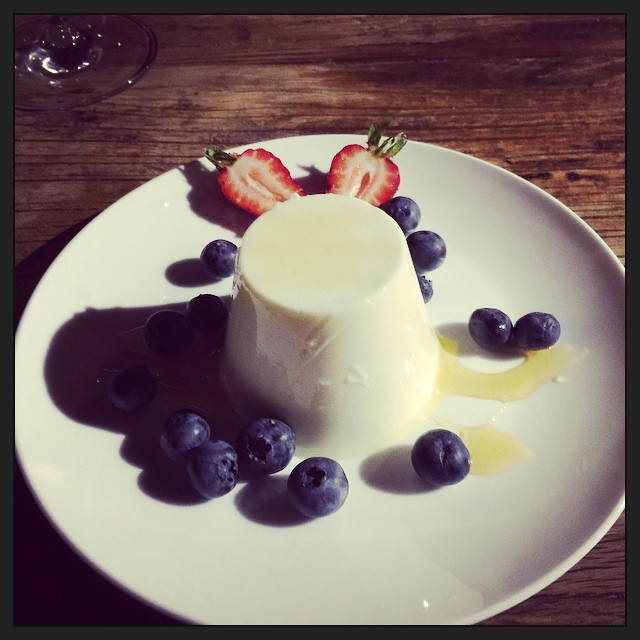 The finale to last night's dinner: pannacotta with honey and fresh local berries. @brunyislandlongweekend