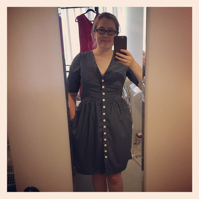 Finished Darling Ranges dress! (I love my auto-buttonholer)