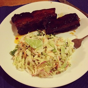 Homemade country-style BBQ ribs and coleslaw. Hells yeah. (I made it.)