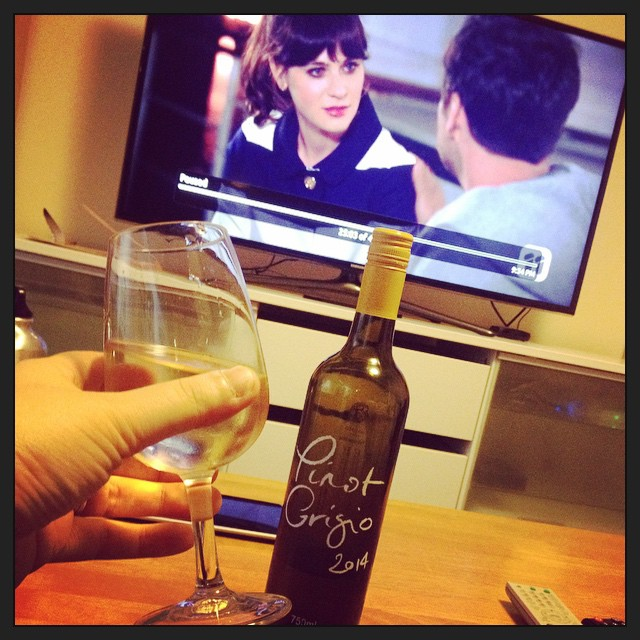 New Girl + @mudgeeregion's DiLusso Pinot Grigio. My middle-aged Tuesday night victory.