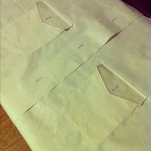Negroni muslin step 1: sew on the pockets and flaps. Not too bad. #sewvember