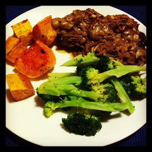 Dinner Tonight: Paleo Salisbury Steak, Butternut Pumpkin, and Broccoli.