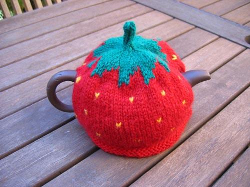 Knitting Pattern For Strawberry Tea Cosy : Strawberry Tea Cosy web-goddess